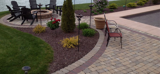 Fahl Colors - Outdoor Patio and Fire Pit
